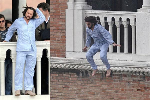 Johnny Depp (trái) và diễn viên đóng thế, The Tourist