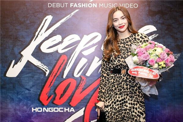 Keep Me In Love một dự án âm nhạc được Hồ Ngọc Hà và ê -kíp thực hiện như một món quà kỷ niệm tình cảm giữa côvà các thành viên tại The Facemùa đầu tiên. - Tin sao Viet - Tin tuc sao Viet - Scandal sao Viet - Tin tuc cua Sao - Tin cua Sao