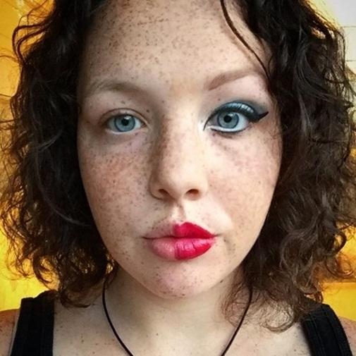 Bất ngờ với nửa còn lại của hot girl giấu mặt xinh đẹp