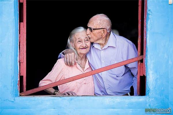Bất cứ cô gái nào cũng mong muốn tìm được một người đàn ông yêu thương mình hết lòng hết dạ đến suốt cuộc đời.
