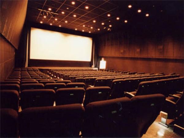 Nếu làm ồn ở rạp chiếu phim, bạn sẽ bị xem là thiếu văn minh tại Nhật.