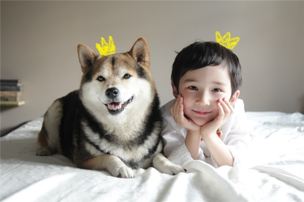 Xem ai đẹp trai hơn nào.