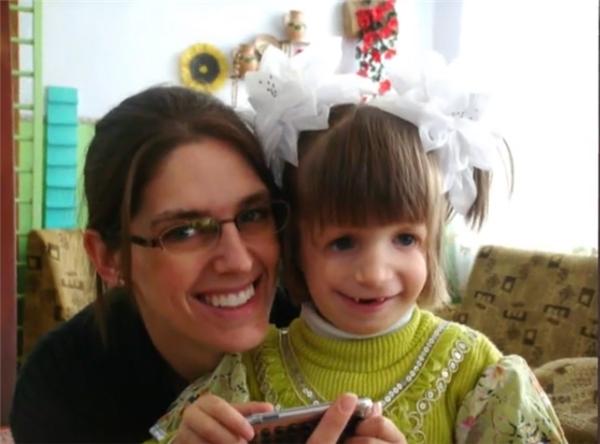 Danica bị bỏ rơi sau khi sinh và sống trong một trại mồ côi ở Ukraine.