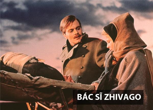 Dựa trên tác phẩm nổi tiếng của nhà văn Nga Boris Leonidovich Pasternk, bộ phim lấy bối cảnhnhững năm trước cách mạng tháng 10 Nga, khi cuộc chiến tranh thế giới đang xảy ra ác liệt và một cuộc cách mạng kháccũng đang bùng lên ở Nga.Bác sĩ - nhà thơ lãng mạn Zhivago là người đãtận mắt chứng kiến nhữngcuộc chiến đẫm máu này. Không tìm thấy ý nghĩa cuộc sống của mình qua các cuộc chiến, anh trở thành một con người thụ động, phó mặc số phận mình cho thời cuộc. Bên cạnh đó, bộ phim cũng tập trung khai thác những day dứt, phân vân của anh khi đứng giữa lựa chọn người vợ hay người phụ nữ anh yêu.