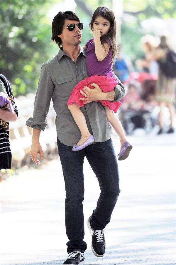 Thực sự, vì điều gì mà Tom đã trở nên lạnh nhạt với cô con gái bé bỏng mà anh từng coi là cả thế giới?