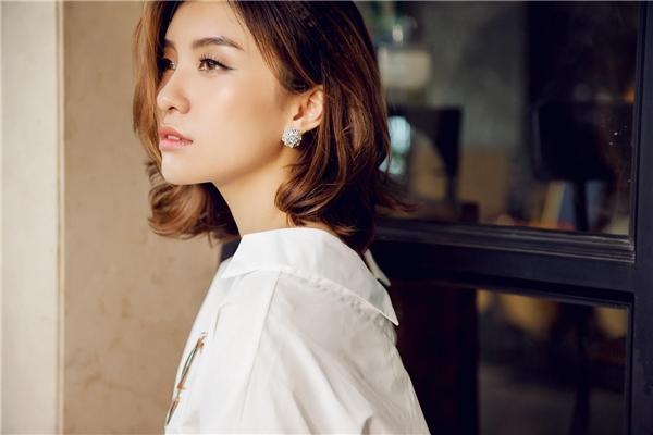 """Dù khá buồn bã, song Tiêu Châu Như Quỳnh vẫn mạnh mẽ bước qua """"cú vấp"""" tình cảm để sẵn sàng mở lòng chờ đón duyên nợ mới."""