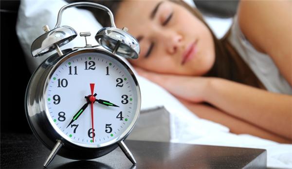 Đặc biệt giấc ngủ kéo dài hơn một tiếng đồng hồ thì càng nguy hiểm.