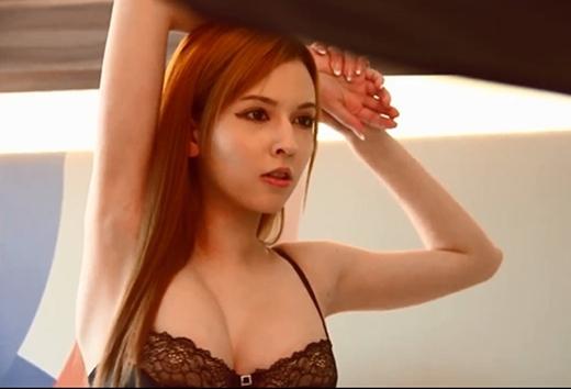 Hình ảnh hậu trường đã chứng minh được vẻ đẹp không tì vết của nữ diễn viên.