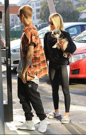 Những hình ảnh mới của Justin bên Sofia Richie tại Mỹ.