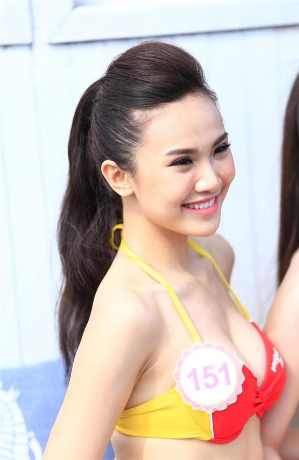 Từ khi ra mắt đến nay, trang phục bikini Vietjet trở nên nổi tiếng và được yêu mến khắp nơi bởi hình ảnh gợi cảm và hiện đại. Vẻ đẹp trẻ trung, cá tính của bikini Vietjet được các thí sinh hoa hậu thể hiện một cách tự tin, tôn vinh hình ảnh người phụ nữ Việt Nam thời hội nhập.