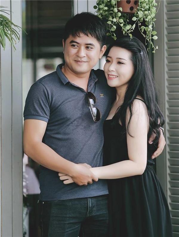 """Thùy Linh cùng người yêu cô thường gọi là""""10 năm tình cũ"""". (Ảnh: nhân vậtcung cấp)"""