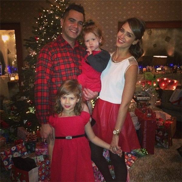 Gia đình nhỏ hạnh phúc của Jessica.