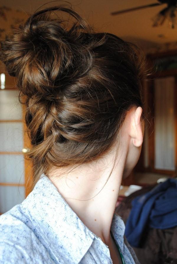 Những người thích búi tóc vòng thường là những người chu đáo. (Ảnh: Internet)