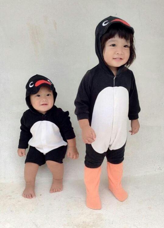 Ngắm những hình ảnh dễ thương của hai nhóc tì này, chắc chắn bạn chỉ muốn có một em bé giống hệt vậy để tha hồ yêu thương.(Ảnh: Internet)