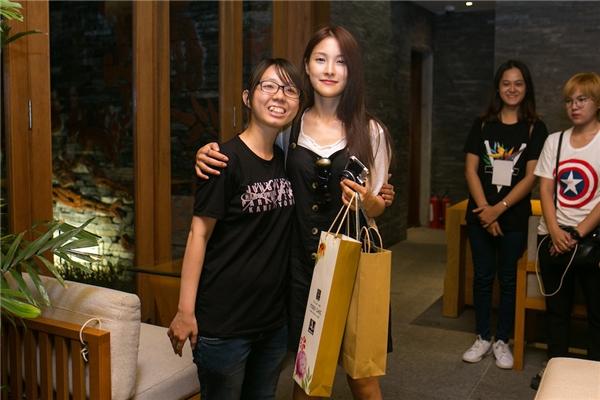 Park Gyuri không ngại ăn mặc giản dịđể mặt mộc mạc khi xuất hiện.
