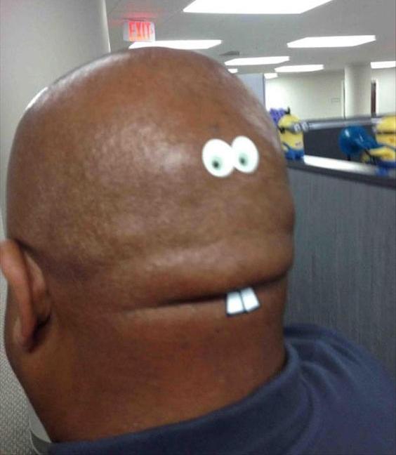 Sau 2 tháng nhìn chằm chằm vào quả đầu độc đáo của anh ấy, tôi đã biết nên làm gì với nó.