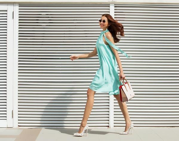 Bên cạnh vẻ ngoài ngọt ngào mê đắm, màu pastel còn có tác dụng trong việc tăng độ sáng, thu hút cho da. Đây là xu hướng thời trang lên ngôi trong suốt những mùa mốt gần đây.