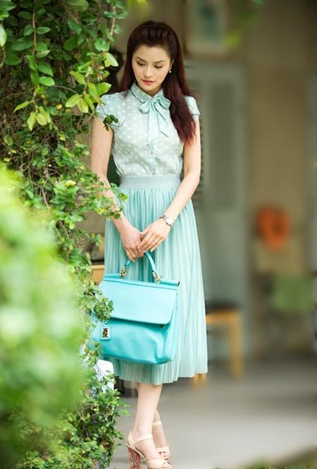 Với màu pastel, các cô gái có thể tự do, thoải mái kết hợp nhiều sắc khác nhau, thậm chí tương phản nhưng vẫn mang đến sự hài hòa, nhẹ nhàng.