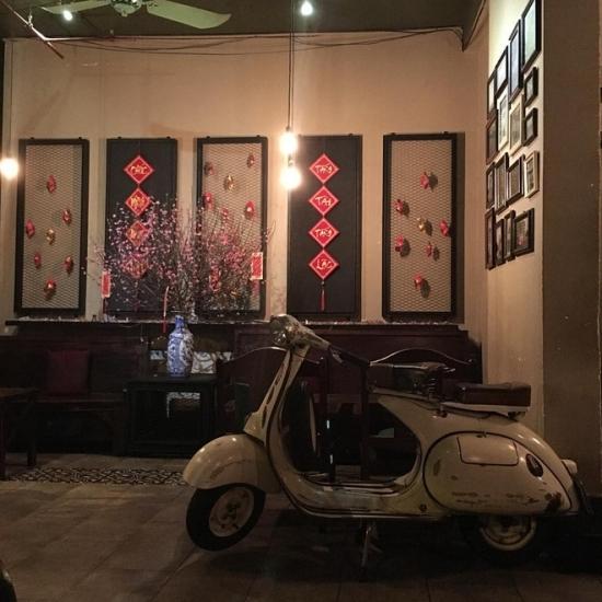 Hiện tại, anh sở hữu 3 chiếc Mobylette, 2 chiếc Vespa, 1 chiếc Vespa mini, 1 chiếc Lambretta, tất cả đều được sản xuất từ những năm 1960 trong bộ sưu tập xe cổ của mình. Nhiều dòng xe chỉ còn 1-2 chiếc trên thế giới nên không thể định ra giá trị. - Tin sao Viet - Tin tuc sao Viet - Scandal sao Viet - Tin tuc cua Sao - Tin cua Sao