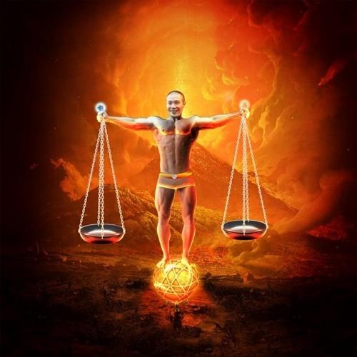 """Công Lý mặc độc một chiếc quần nhỏ, đứng trên quả cầu lửa, dang tay làm """"mẫu ảnh"""" minh họa cho hình cán cân. Ảnh: internet - Tin sao Viet - Tin tuc sao Viet - Scandal sao Viet - Tin tuc cua Sao - Tin cua Sao"""