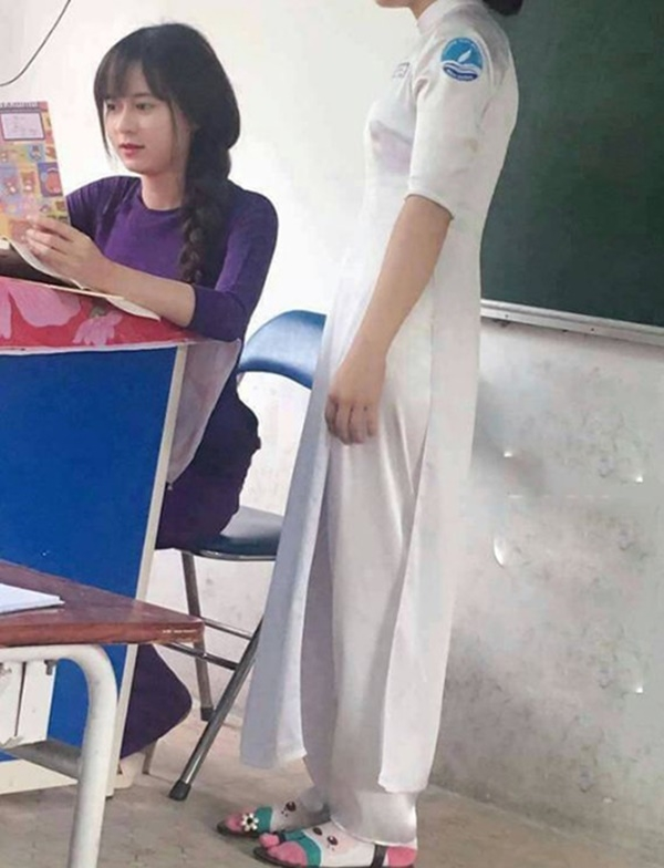 Cô giáo Địa lí xôn xao dân mạng những ngày vừa rồi thực ra là ai?