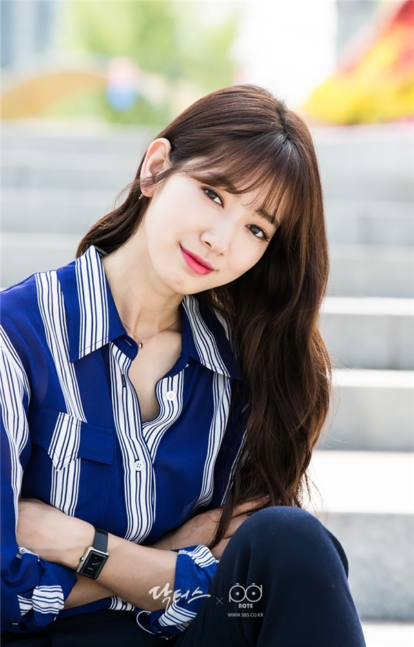 Thành tích này của Han Hyo Joo khiến Park Shin Hye, Suzy phải ngả mũ