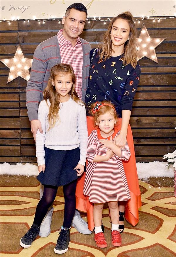 Jessica vừa có sự nghiệp thành công vừa có gia đình hạnh phúc.