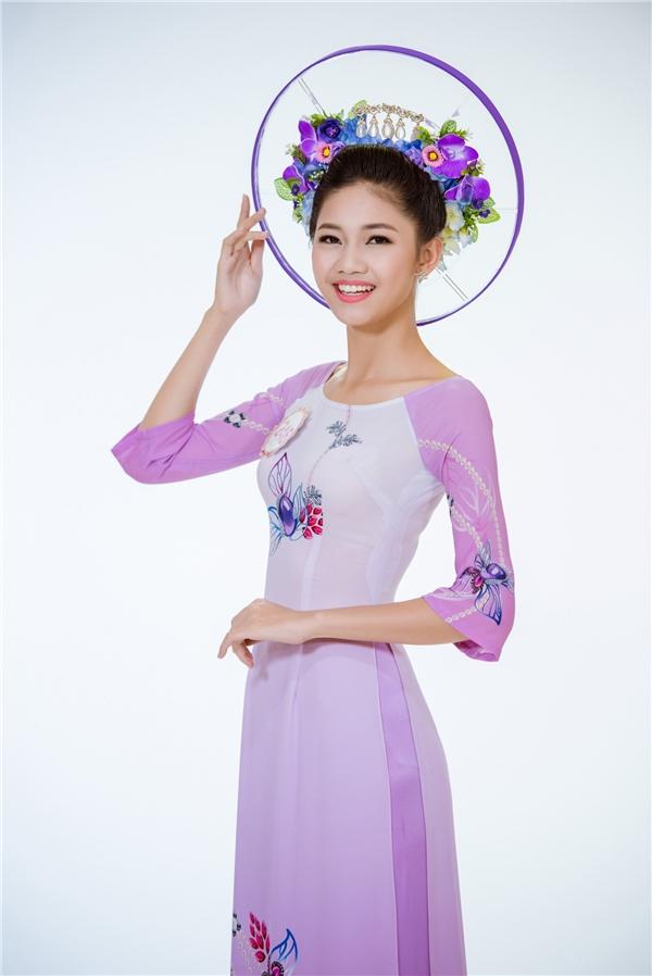 Ngô Thanh Thanh Tú là một trong 2 thí sinh sở hữu chiều cao nổi bật của Hoa hậu Việt Nam 2016: 1m80. Thanh Tú là em gái của Á hậu Hoàn vũ Việt Nam 2015 Ngô Trà My.
