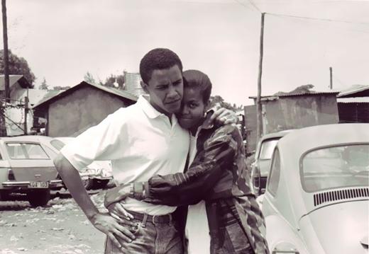 Barack Obama và vợ chưa cưới, Michelle tại Kenya vào năm 1992.