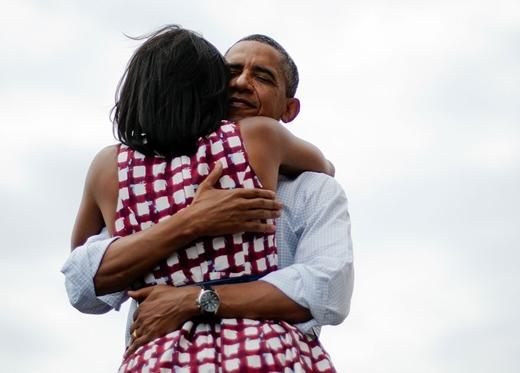 Cái ôm ấm áp của cả hai người được chụp lại tại một sự kiện ở Dubuque năm 2012.