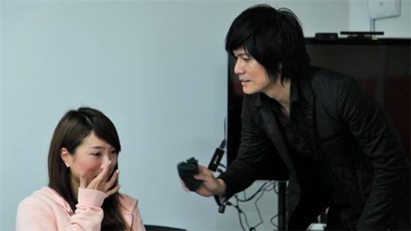 Ryusei là một người làm nghề lau nước mắt khi ở tuổi gần 40.