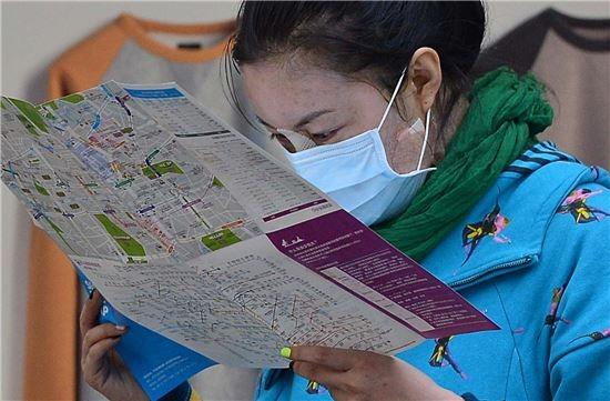 Phụ nữ Hàn Quốc cho rằng, nếu không có nhan sắc, họ khó có thể kiếm việc, lấy chồng hay gặp nhiều trắc trở trong cuộc sống.