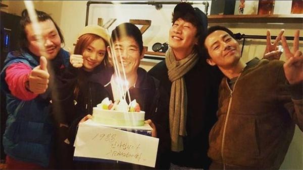 Nam Joo Hyuk,Lee Kwang Soo, Jo In Sung và Sung Dong Il thân thiếtvới nhausau khi hợp tác đóng chung phim truyền hình It's okay, that's love.