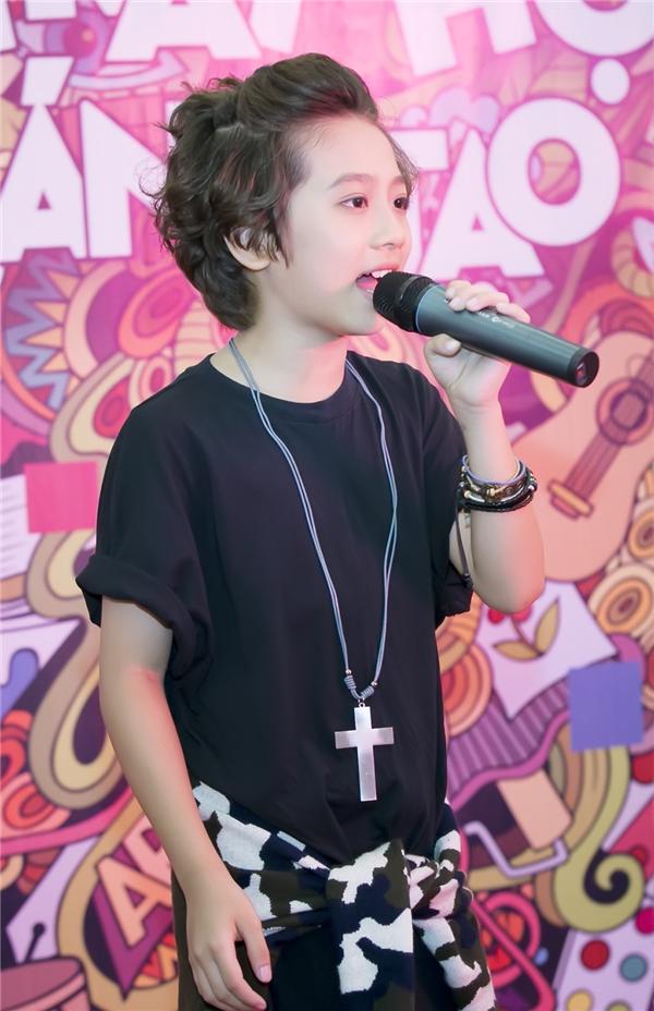Ở phần giao lưu thân mật, Gia Khiêm mạnh dạn bật mí kế hoạch sau khi đạt thành tích Á quân Thần tượng âm nhạc nhí Việt Nammùa đầu tiên.