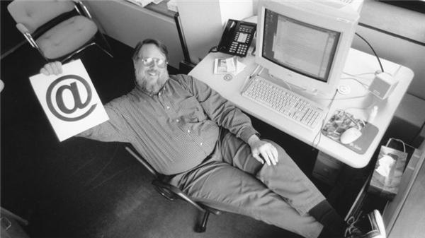 Ray Tomlinsonvà cuộc cách mạng e-mail năm 1971.