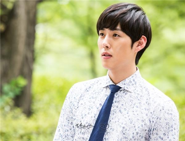"""Baek Sung Hyun là cái tên giúp cho danh sách dàn diễn viên """"mĩ nam"""" của Doctors thêm dài."""