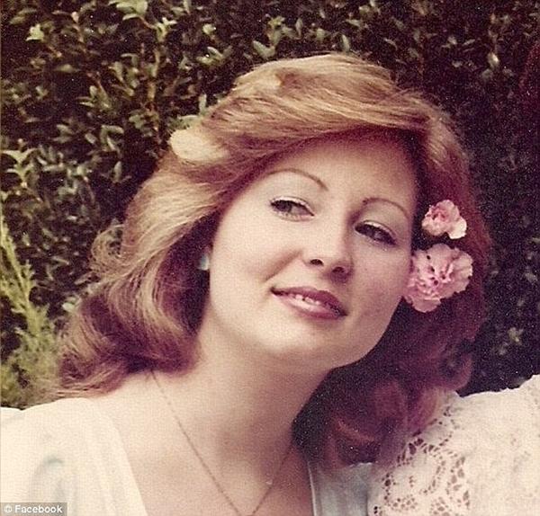 Nạn nhân đầu tiên của Karl là người vợ Christina bị chết trong vụ hỏa hoạn.