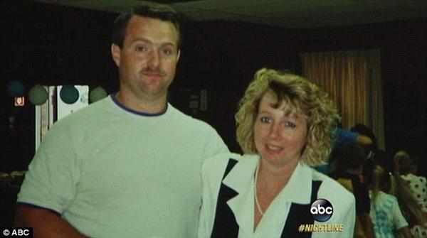 Người vợ 2, Cindy đã tố cáo hành vi giết người của Karl.