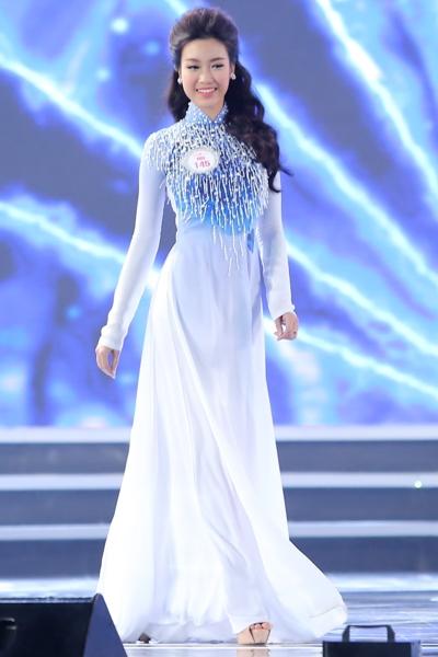 Hình ảnh của Tân Hoa hậu Việt Nam 2016: Đỗ Mỹ Linh trong phần thi áo dài và đầm dạ hội.
