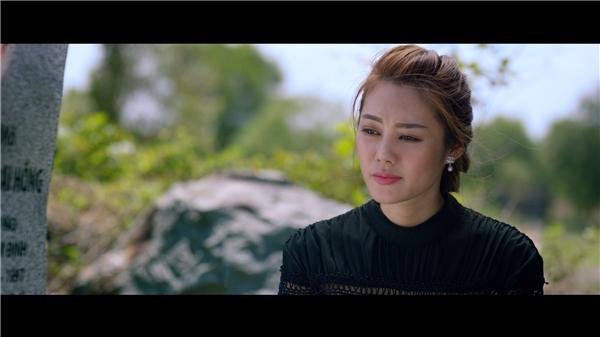 Lan Ngọc từng tâm sự, cô không ưa nổi vẻ chảnh choẹ của Linh Chi và nghi ngờ khả năng diễn xuất của người đẹp.
