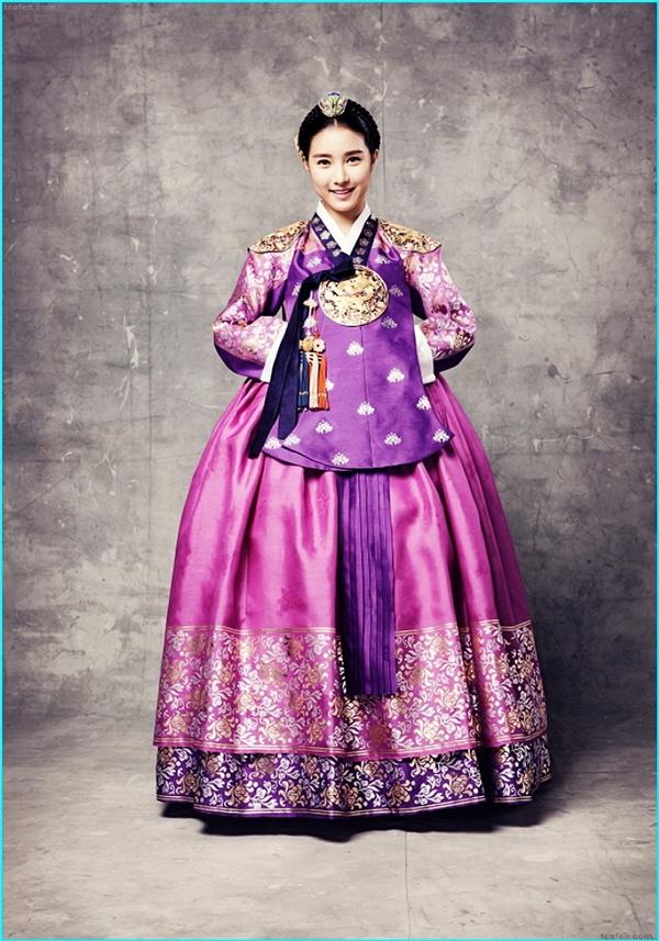 Mỗi lần Kim So Eun xuất hiện trong trang phục cổ trang lại khiến các khán giả phải trầm trồ ngưỡng mộ.