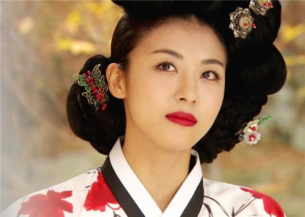 10 nữ thần cổ trang đẹp nao lòng của màn ảnh nhỏ xứ Hàn