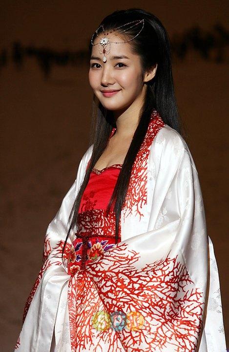Park Min Young luôn nhận được nhiều lời khen ngợi từ những tạo hình cổ trang.
