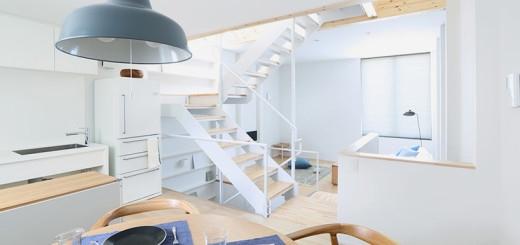 Nội thất bên trong ngôi nhà đầy đủ tiện nghi không thua kém gì một căn nhà rộng rãi nào.