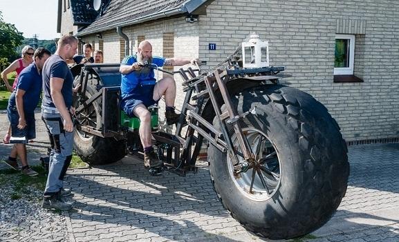 Đây là chiếc xe đạp quái thú to vật vã vừa lọt vào Guinness
