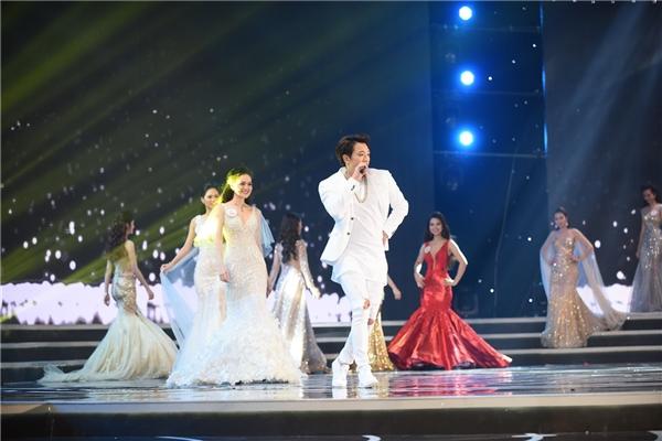 Bi (Rain) bị chê hát live không tốtvà biểu diễn lạc lõng trong đêm chung kết.