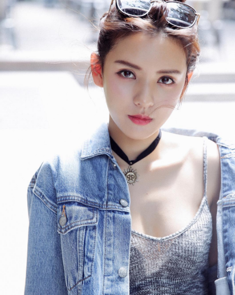 Bản sao cực hoàn hảo của hot girl Midu khiến dân mạng điên đảo