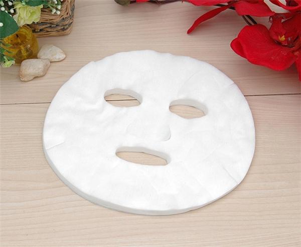 Nhìn đơn giản vậy thôi nhưng chiếc mặt nạ này lại có công dụng thần thánh đến bất ngờ đấy.