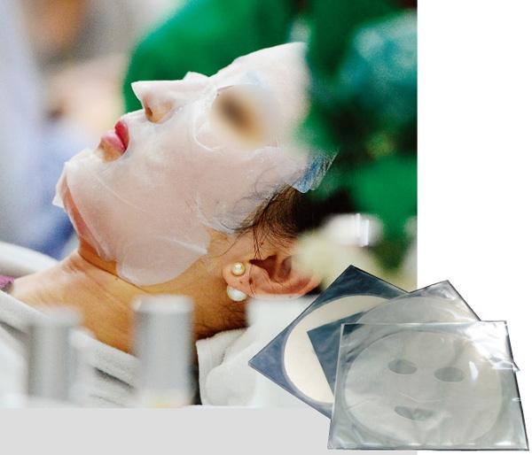 Từ lâu, mặt nạ dưỡng da đã trở thành mặt hàng được nhiều người ưa thích tại Hàn Quốc.