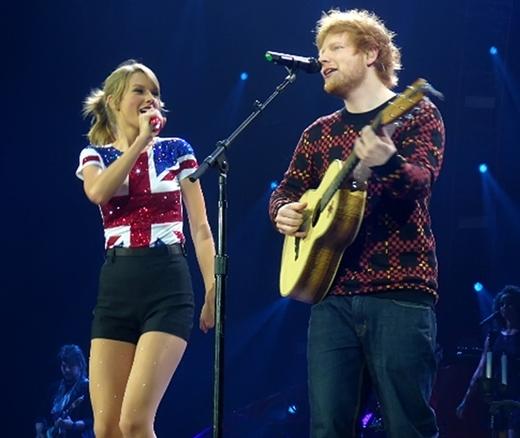 Dù nhiều tin đồn, Taylor vẫn khẳng định cả hai chỉ là bạn thân.